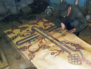 Осужденные восстановят крест старинного храма
