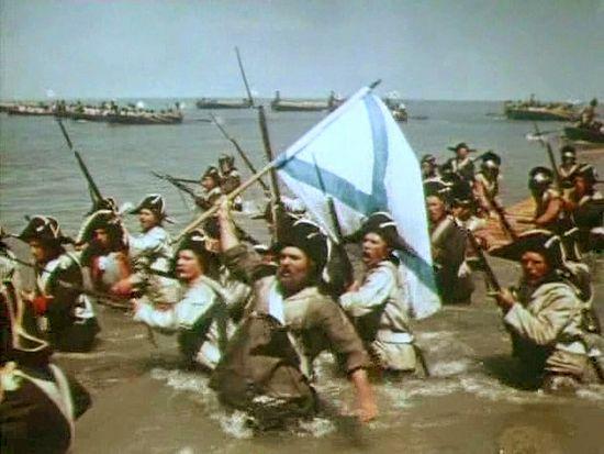 Высадка десанта. Кадр из фильма «Корабли штурмуют бастионы»