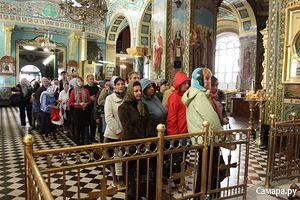 В кафедральном соборе Самары. Фото: Сергей Курочкин