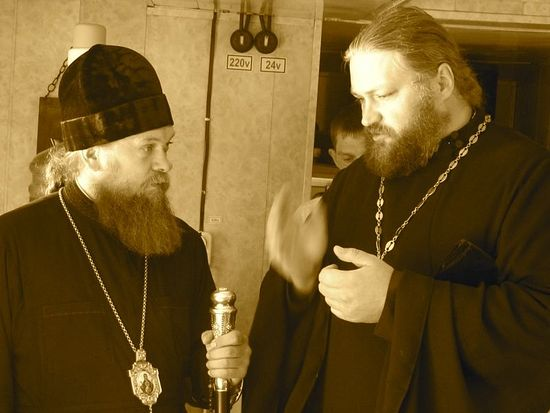 23 августа 2012 года Преосвященный владыка встречал в Ордынске корабль-церковь «Святой апостол Андрей Первозванный»