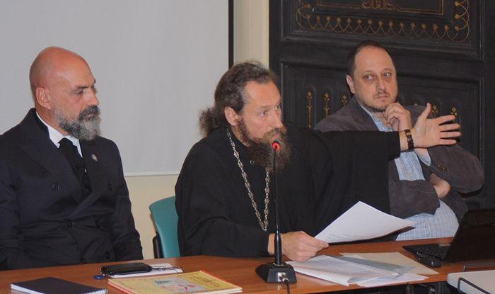 Участники конференции Андрей Анисимов, о. Андрей Юревич, Андрей Яхнин. Фото: Православие.Ru
