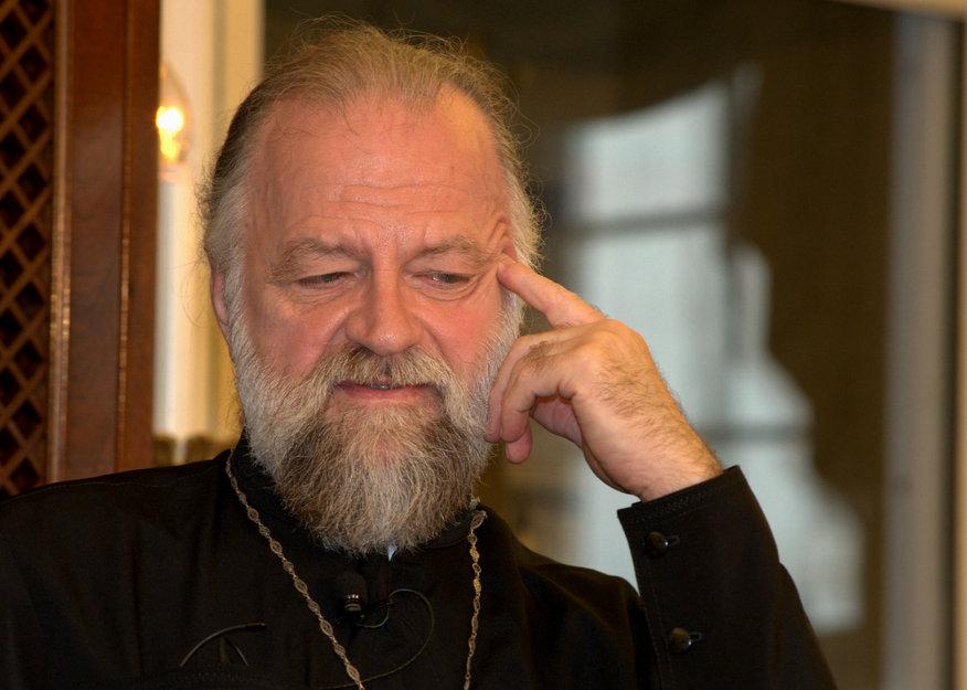 Многолетний ведущий религиозной программы на «Голосе Америки» (1970-90-е годы) протоирей Виктор Потапов