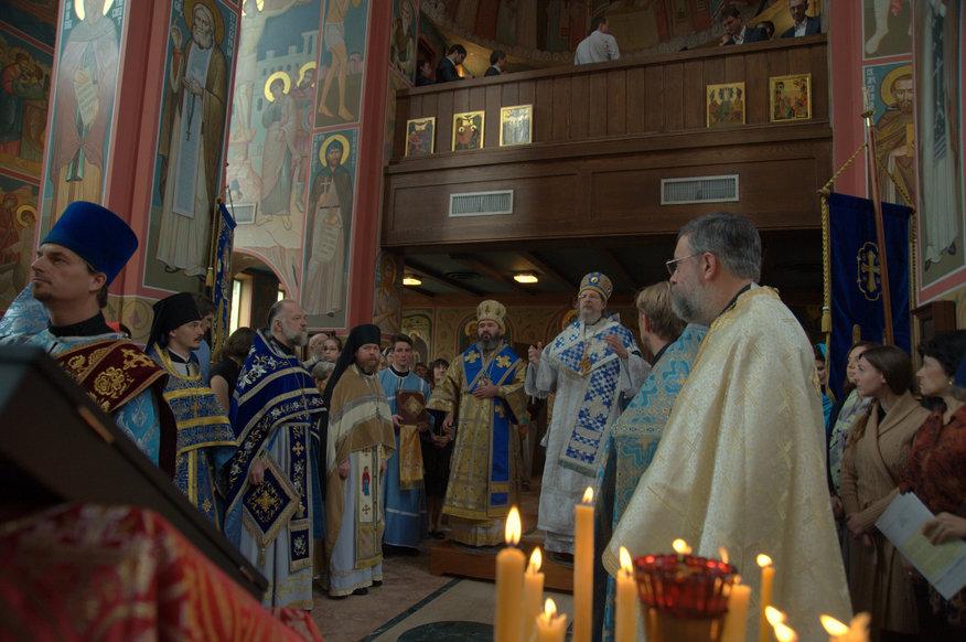 Божественная литургия в Свято-Николаевском соборе