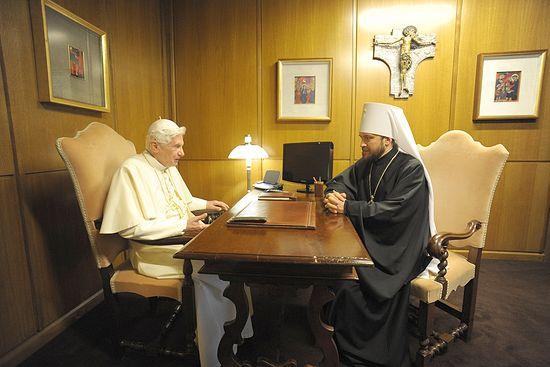 Папа Римский Бенедикт XVI выразил солидарность с позицией Русской Православной Церкви по вопросу вандализма в Храме Христа Спасителя