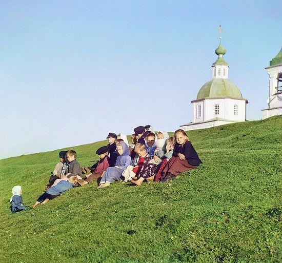 С. М. Прокудин-Горский. Группа детей. 1909 год