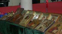 Русской Православной Церкви были переданы 756 икон и предметов церковного обихода.