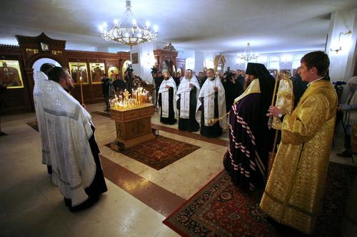 Акция открылась заупокойной литией, богослужение возглавил епископ Воскресенский Савва