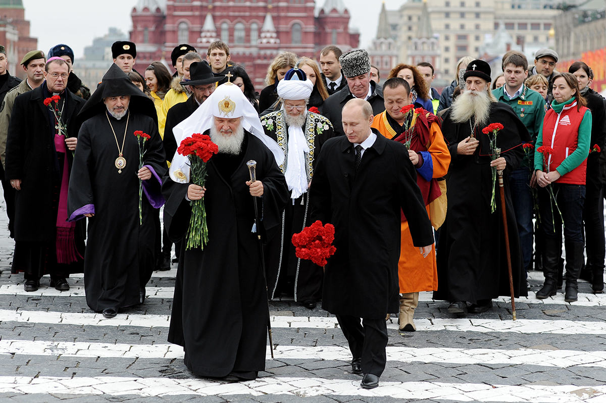 Путин и жрецы