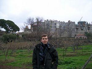 Близ Ватопедского монастыря. Около каждого монастыря - хозяйственные угодья.