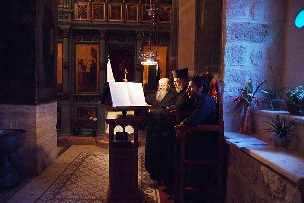 Греческая служба. Монастырь прп. Герасима Иорданского. Фото: Г. Балаянц / Православие.Ru