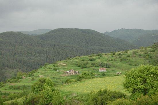 Грузинские эксперты осмотрели древний монастырский комплекс на границе с Турцией/ фото: www.heritagesites.ge