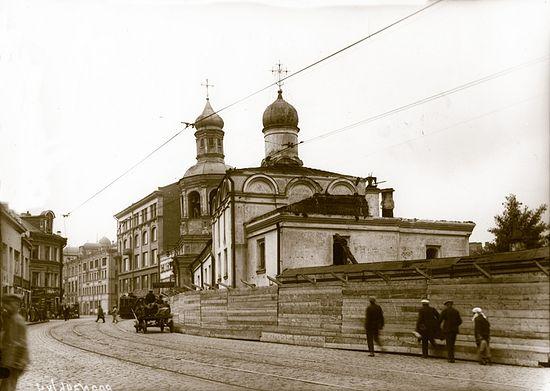 Кололкольня и храм святителя Николая Сретенского монастыря. Фото 20-х годов XX в.