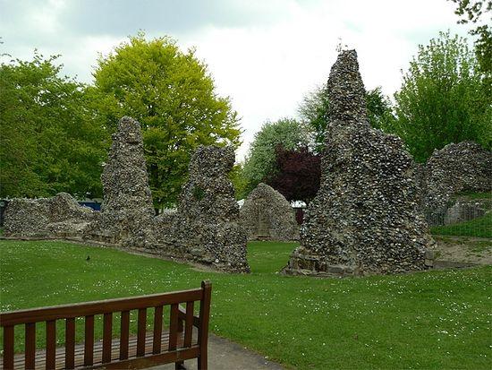 Руины аббатства в городе Бери-Сент-Эдмундс, Саффолк (фото - И. Лапа)