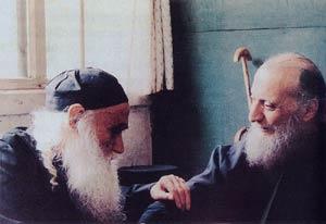 Отец Эмилиан (справа) со старцем Ефремом Катунакским