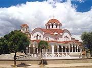 Церковь Воскресения Христова в Поградече. Одна из 74 новых церквей, построенных с 1992 года.