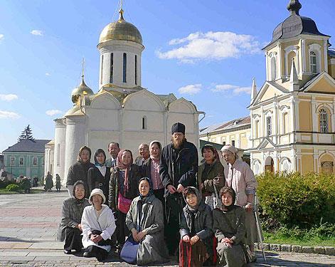 Японские паломники в Троице-Сергиевой лавре.