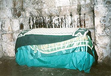 Гробница в пещере преподобной Пелагии