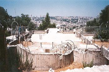 Руины так и не возведенного храма Вознесения