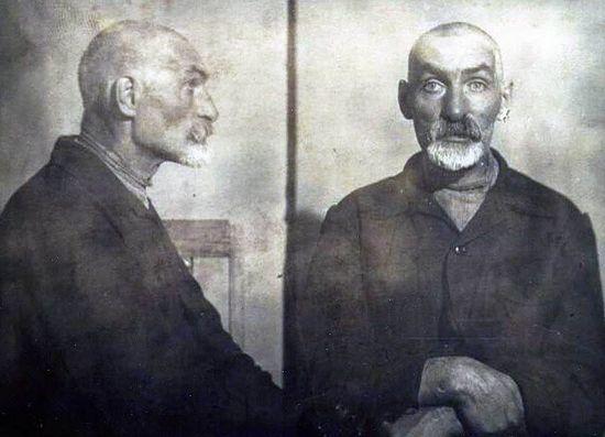 Священник Измаил перед расстрелом. Фото из дела.