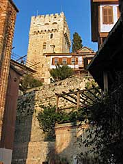 Последним убежищем монахов во время пиратских нападений становилась оборонительная башня