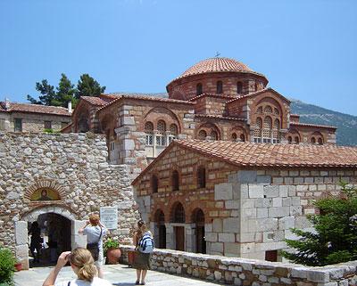 Вход в монастырь святого Луки (Осиос Лукас)