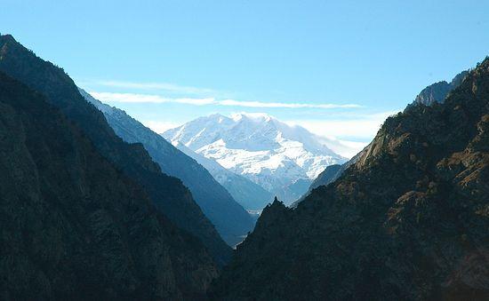 Вид на Кавказские горы из Баксанского ущелья
