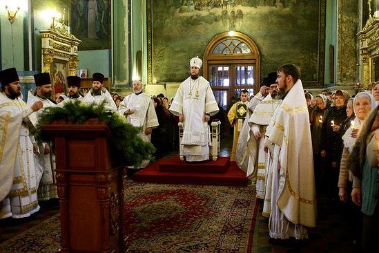 Архиерейское богослужение. Поездка в Николаевское благочиние, январь 2012 г. Фото: А. Яновский