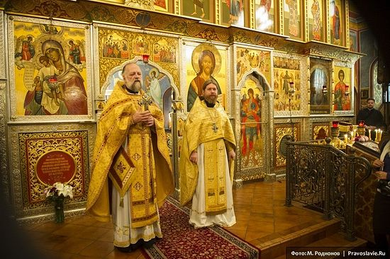 Archpriest Victor Potapov and Archimandrite Tikhon. Photo: Mikhail Rodionov/Pravoslavie.ru