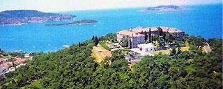 Богословская школа на о. Халки. Фото: www.info-grece.com