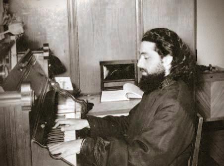 Архидиакон Илия в своей келье в Московской духовной академии