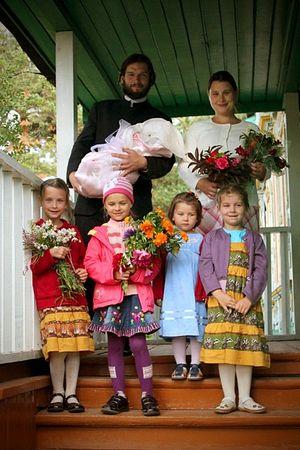 Семья о. Федора Божкова с новорожденным