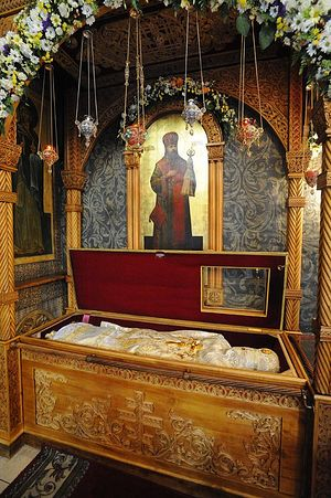 The reliquary of Holy Hieromartyr Hilarion (Troitsky). Photo: V. Korniushin/Pravoslavie.ru.