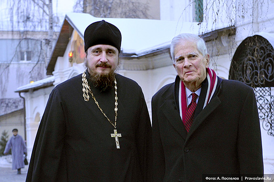 Hieromonk Pavel (Scherbachev) and Dr. James H. Billington at Sretensky Monastery. Photo: Anton Pospelov.