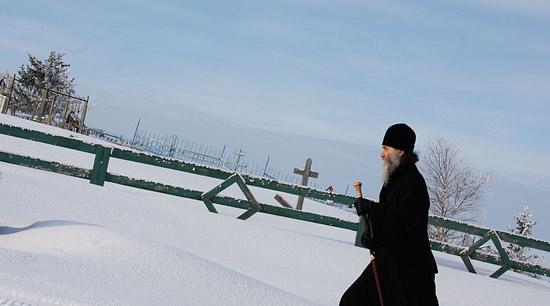Первая миссионерская поездка владыки Иакова в село Тельвиску. Фото: Владимир Печечикин.