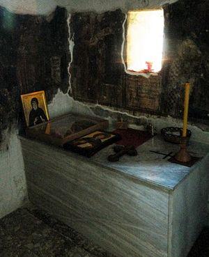 Надгробие над мощами прп. Иоанникия