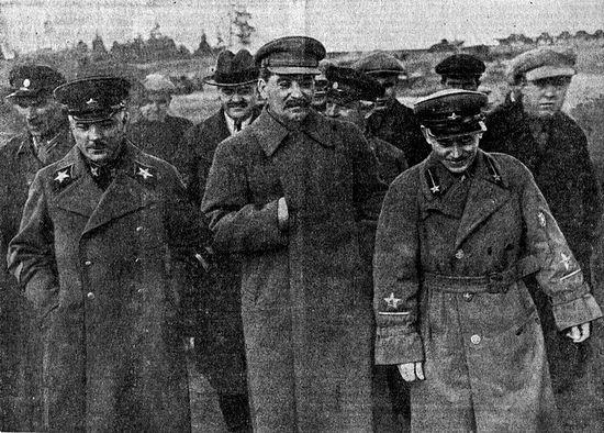 Ворошилов, Молотов, Сталин, Хрущёв и Ежов на стороительстве канала Москва-Волга. 1937 год