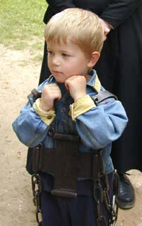 Вериги преподобного Иринарха во время крестного хода может одеть любой желающий...