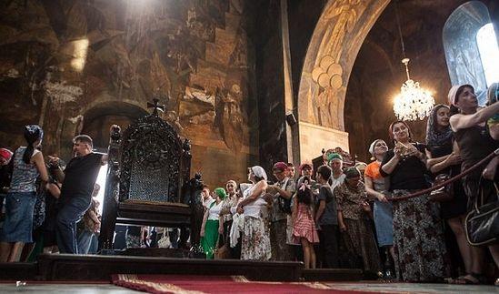 Богослужение в соборе Сиони