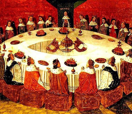 Король Артур председательствует за круглым столом во главе своих рыцарей.