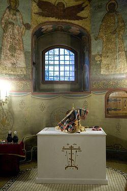 Жертвенник в алтаре Собора Сретения Владимирской иконы Божией Матери. Сретенский монастырь