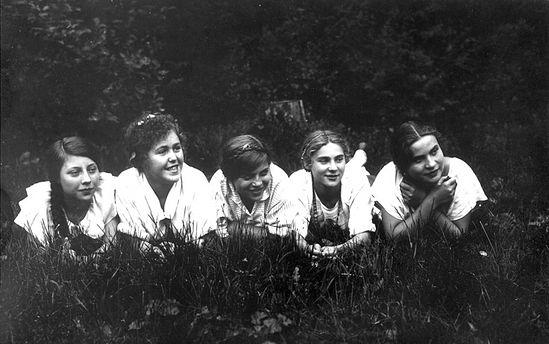 Девушки из общины Никольского храма. 20 сентября 1925 г. Петровско-Разумовское