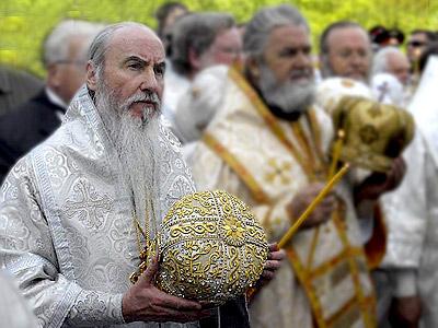 Об исповеди и причащении, языке богослужения и монашестве