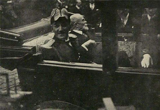 Последняя фотография короля Александра и министра Франции Барту, перед покушением в Марселе в 1934 г.