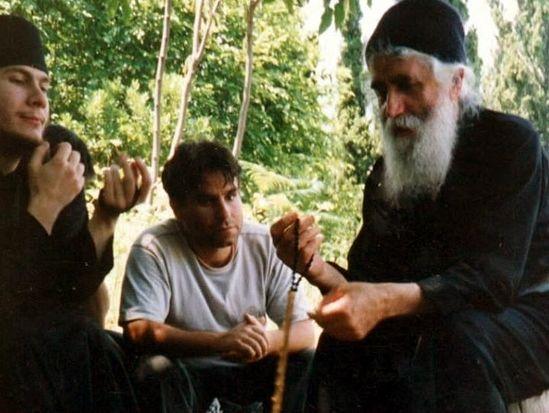 Старец Паисий с паломниками