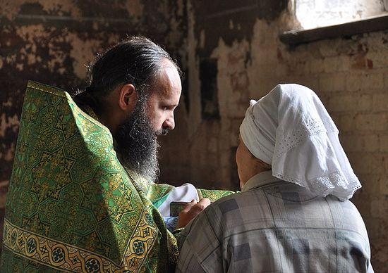 Confession. Photo by Anton Pospelov / Pravoslavie.ru
