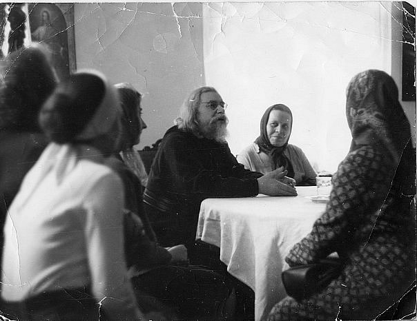 Беседа архим. Иоанна (Крестьянкина) с верующими