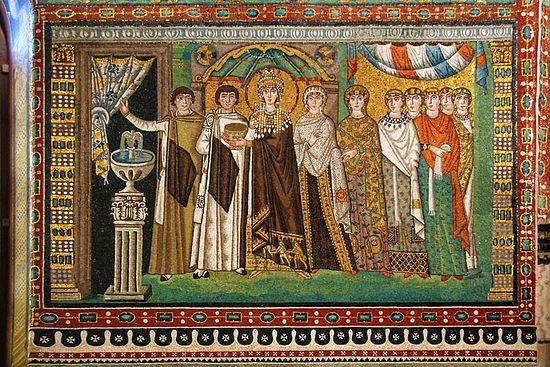Императрица Феодора со свитой. Базилика Сан-Витале. Равенна. Италия.