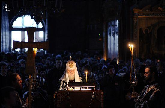 Чтение Патриархом Кириллом Великого канона. Фото: Патриархия.Ru