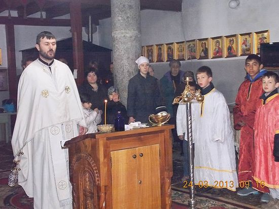 Парастос у ораховачкој цркви