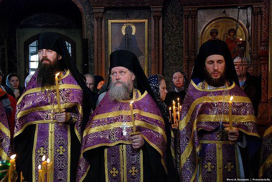 Иеромонахи Лука, Арсений и Симеон. 2011 г. Фото: А.Поспелов / Православие.Ru